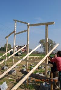 La costruzione del primo capanno