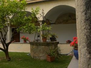 9_Un angolo del chiostro del convento di San Domenico